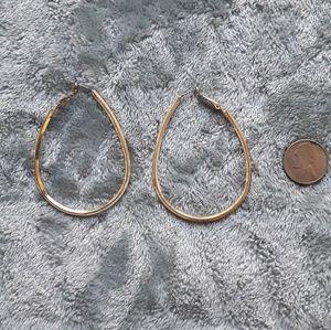 Jewelry - 💛Earrings and bracelet bundle